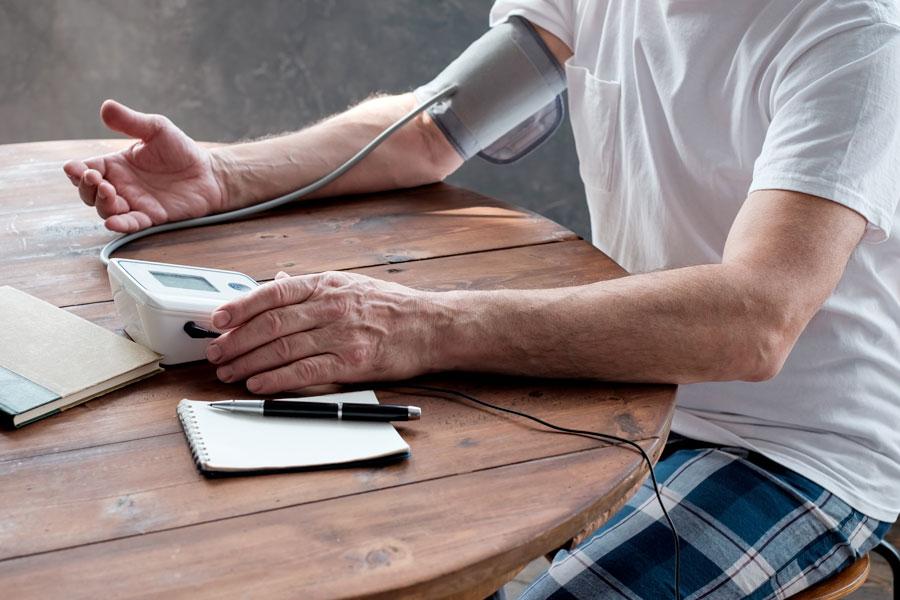 Come scegliere un buon misuratore di pressione: 3 consigli utili